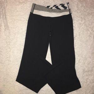 Lululemon Athletica Crossover Waistband Yoga Pants